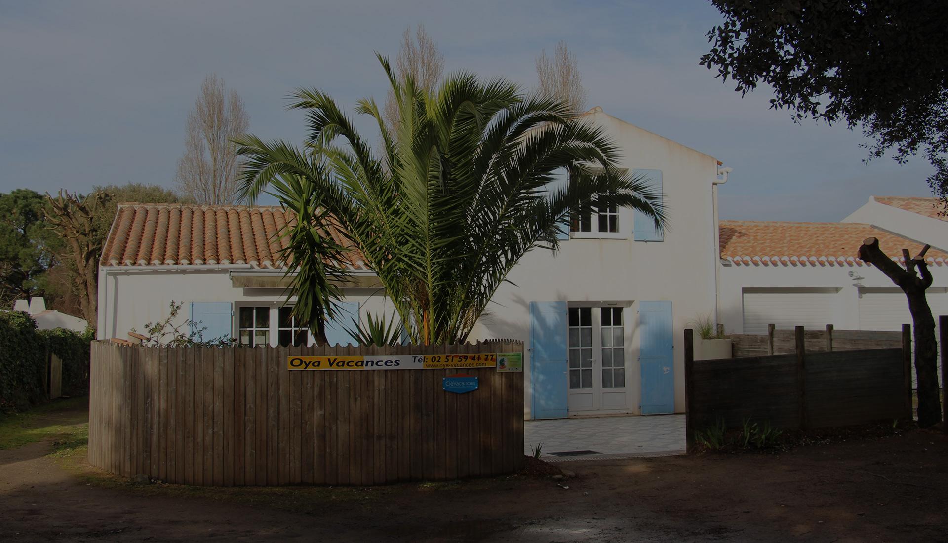 Maison de location extérieur avec terrasse