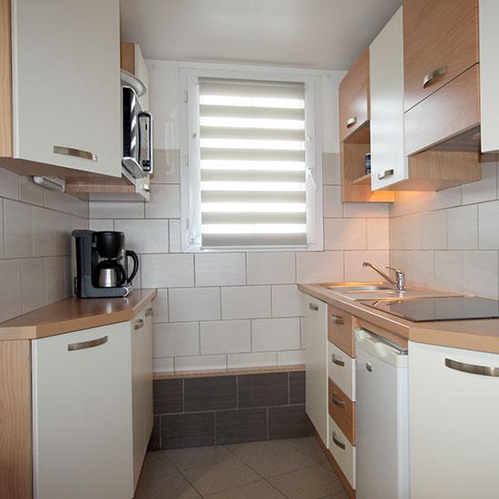 coin cuisine quip e du studio oya vacances locations. Black Bedroom Furniture Sets. Home Design Ideas
