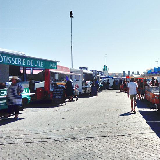 Rôtisserie sur le marché de Port-Joinville
