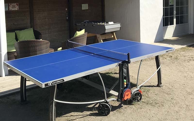 Table de ping pong et baby foot