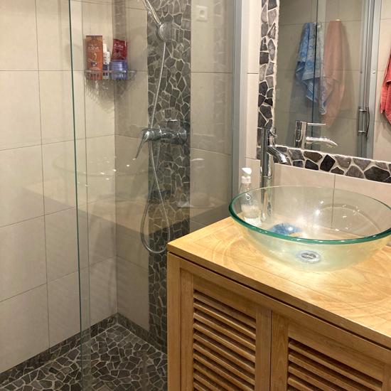 Salle de bain Oya vacances, Les Criques